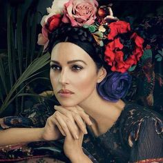 Monica Bellucci inspired by Frida Kahlo Monica Bellucci Photo, Monica Belluci, Frida Kahlo Portraits, Portrait Photography, Fashion Photography, Makeup Photography, She's A Lady, Style Ethnique, Folk Fashion