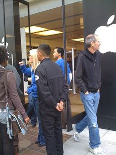 Steve Jobs at Apple Store