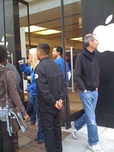 steve jobs strolling at apple store by himself