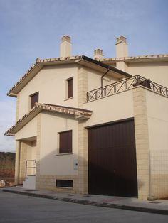 #Casas #Contemporaneo #Exterior #Terraza #Puertas #Fachada #Barandillas #Ventanas