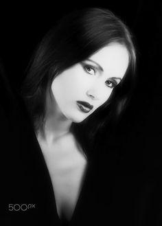 Women's beauty portraits - Beauty fashion model:Mariata