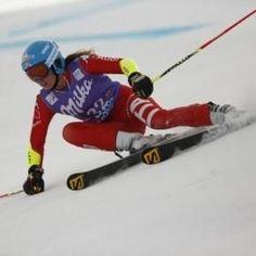 Coppa del Mondo sci alpino, Marta Bassino sul podio a Soelden La sciatrice azzurra Marta Bassino si è piazzata sul terzo gradino del podio nella prima gara di Coppa del Mondo della stagione, ossia il gigante di Soelden. L'atleta cuneese ha disputato due ottime  #martabassino #coppadelmondo #soelden