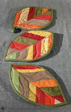 Make a set of Quilted Leaf Potholders with this tutorial to celebrate fall.