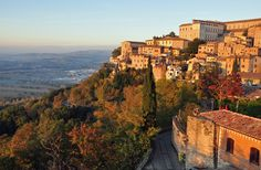 The best small towns in Italy's central regions, including the best towns in Tuscany, Umbria, Lazio, and more!