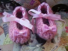 zapatito de crochet Rosa con cinta de raso de By Lena-Marques por DaWanda.com