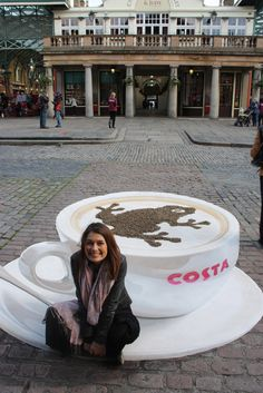 Costa – Covent Garden. A really realistic cup of cappuccino. (via Manfred Stader)