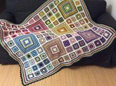 La manta de Irene inspirada en una de Pinterest.Facebook Tricrochet