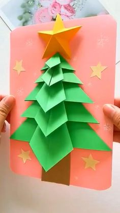 Diy Crafts For Gifts, Paper Crafts For Kids, Fall Crafts, Instruções Origami, Paper Crafts Origami, Diy Paper, Christmas Card Crafts, Holiday Crafts, Halloween Crafts For Kids