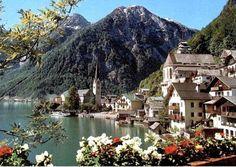 Le pittoresque village autrichien d'Hallstatt, inscrit au patrimoine mondial de l'Unesco pour ses maisons couleur pastel en bordure d'un superbe lac alpin, possède désormais son double dans le sud de la Chine.