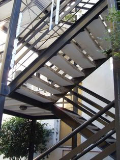 Escaleras metalicas detalle tecnico buscar con google for Escaleras metalicas pequenas