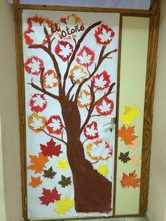 Classroom Window Decorations, Preschool Door Decorations, Fall Door Decorations, School Decorations, Fall Decor, Classroom Art Projects, Art Classroom, Autumn Crafts, Autumn Art