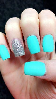 matte Tiffany blue nails