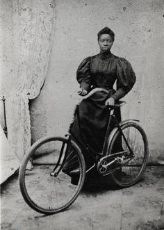 African American Woman with a Bicycle - Atlanta History photograph collection - ALBUM Victorian Life, African American Women, Fashion History, Historical Photos, New Woman, Bicycle, Culture, Poses, Photograph
