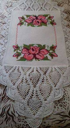 This Pin was discovered by Chi Crochet Mat, Crochet Dollies, Filet Crochet, Hand Embroidery Stitches, Embroidery Patterns, Crochet Patterns, Cross Stitch Bird, Cross Stitch Patterns, Crochet Placemats