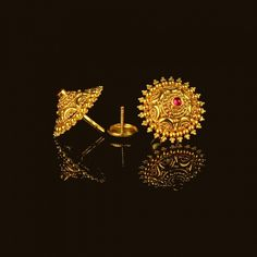 Looking for gold and diamond jewellery? Vummidi has the best collection of diamond rings, diamond earrings and gold jewellery, handcrafted to perfection. Gold Jhumka Earrings, Indian Jewelry Earrings, Gold Rings Jewelry, Buy Earrings, Gold Ring Designs, Gold Earrings Designs, Gold Jewellery Design, Gold Earrings For Women, Diwali Lantern