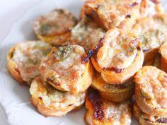 Foto: Broodjes uit de oven met mozzarella, tomatentapenade en pesto! Heerlijk…