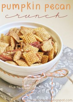 Pumpkin Pecan Crunch Recipe ~ Says: This may just be the greatest chex mix/trail mix/pumpkin recipe that you will ever taste in your entire existence. Pumpkin Recipes, Fall Recipes, Holiday Recipes, Holiday Ideas, Appetizer Recipes, Snack Recipes, Dessert Recipes, Appetizers, Dinner Recipes