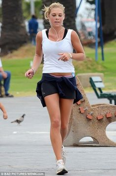 chelsy davy boyfriend | Getting fit for the big day? Chelsy Davy is spotted jogging along the ...