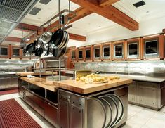 Commercial Kitchen Layout Design, pictures, images at Home Design Ideas and Inspiration Bakery Kitchen, Restaurant Kitchen, Kitchen Layout, Restaurant Design, New Kitchen, Kitchen Decor, Asian Kitchen, Kitchen Ideas, Restaurant Layout