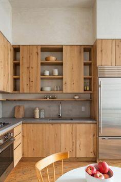küche einrichten küchenrückwand in betonoptik und hölzerne küchenfronten