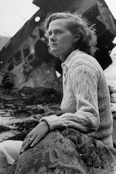 "GREAT BOOK QUOTE: ""Writers should be read, but neither seen nor heard."" ~ Daphne du Maurier"