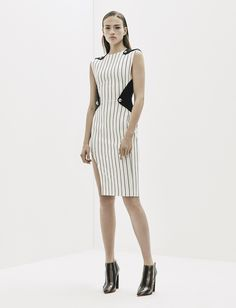 Mugler Resort 2016 Fashion Show Collection: See the complete Mugler Resort 2016 collection. Look 22 Fashion Line, Fashion Week, Fashion 2017, Love Fashion, High Fashion, Fashion Show, Fashion Looks, Fashion Design, Style Couture
