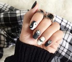 The black nail designs are stylish. Black nails are an elegant and chic choice. Color nails are suitable for… American Manicure Nails, Nail Manicure, My Nails, Gel Nail, Black Nail Designs, Nail Art Designs, Nails Design, Gorgeous Nails, Pretty Nails