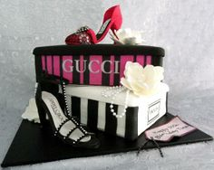 SHOES AND SHOE BOXES CAKE