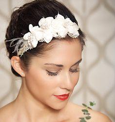 Etsy の Ivory Lace Bridal Headband Elegant Bridal by GildedShadows