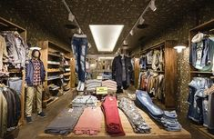 PPT Interiorismo Barcelona | Philpark Lleida | PPT Interiorismo Barcelona Showroom Design, Denim, Ideas, Wooden Cubes, Shop Displays, Interior Design, Photos, Jeans, Thoughts