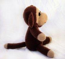 Niveau Facile     Aujourd'hui, un singe tout mignon à réaliser au crochet, of course !  Je vous le traduit depuis le site de Haakjes  qui le...