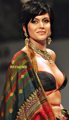 Celebrity Photos: Mandira Bedi wearing just a Black BRA exposing almost her full Boobs – Sexiest show Indian Tv Actress, Indian Actresses, Sports Presenters, Desi Masala, Beautiful Bollywood Actress, Black Bra, Bollywood Celebrities, India Beauty, Hottest Models