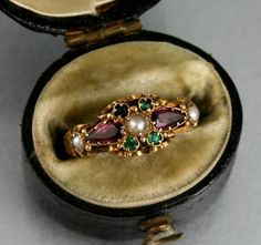 VICTORIAN 15CT GOLD SUFFRAGETTE RING IN ANTIQUE BOX c 1899