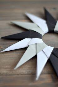 Heute wird wieder gefaltet. Ohne Knoten in den Fingern und zerknülltem Papier in der Ecke. :-) Wie die wirklich sehr einfachen Origam...