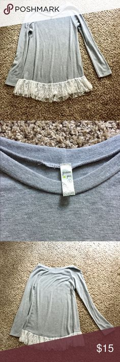 Long sleeve gray shirt Long sleeve thicker shirt with white lace detailing at the bottom. No flaws, brand is Green Pea Tops Tees - Long Sleeve