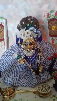 Bal Krishna, Cute Krishna, Krishna Art, Radhe Krishna, Loreal Hair Color Chart, Krishna Bhagwan, Laddu Gopal Dresses, Bal Gopal, Ladoo Gopal