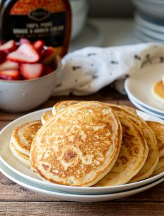 This is the BEST Classic Pancake Recipe because the pancakes are buttery, fluffy and super easy to make. No buttermilk, no whipping egg whites! Classic Pancake Recipe, Classic Lasagna Recipe, Best Pancake Recipe, Simple Pancake Recipe, Tasty Pancakes, Homemade Pancakes, Fluffy Pancakes, Waffle Recipes, Snack Recipes