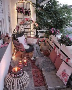 Small Balcony Design, Small Balcony Decor, Balcony Ideas, Terrace Decor, Christmas House Lights, Apartment Balcony Decorating, Cozy Room, Home Decor Shops, Dream Rooms