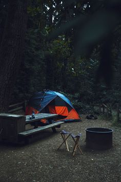 Find The Best Tips For Camping Right Here. If you want to make your next camping trip an experience to remember, you need to get informed. Camping And Hiking, Camping Life, Camping Ideas, Backpacking, Outdoor Fun, Outdoor Camping, Outdoor Gear, Camping Outdoors, Tenda Camping