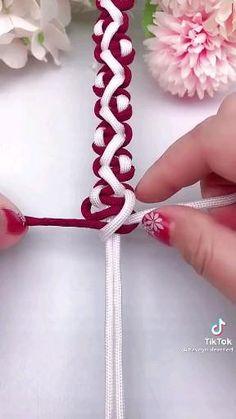 Macrame Bracelet Patterns, Diy Bracelets Patterns, Diy Friendship Bracelets Patterns, Diy Bracelets Easy, Macrame Patterns, Macrame Bracelets, Handmade Wire Jewelry, Diy Crafts Jewelry, Bracelet Crafts