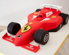 F1 Cake - María Andrée Couture Cakes