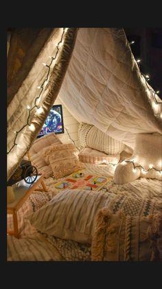Room Design Bedroom, Room Ideas Bedroom, Bedroom Decor, Sleepover Room, Fun Sleepover Ideas, Cozy Room, Aesthetic Bedroom, Dream Rooms, New Room