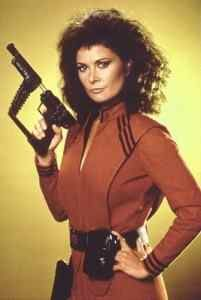 """V - Starred Marc Singer, Faye Grant, Michael Ironside, Robert Englund, and Jane Badler as """"Diana"""" Queen of the Lizard People!"""
