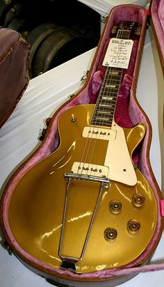 1952 Gibson Les Paul Goldtop I used to own a 1982 Goldtop, that was the heaviest guitar I've ever loved!