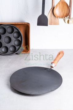 Make your favourite fluffy chapatti, soft roti or hot paratha in our rustic Zishta iron tawa. Zishta pre-seasoned roti tawa is hand made and retains heat for long time. Kitchen Items, Kitchen Hacks, Kitchen Utensils, Healthy Eating Challenge, Buy Clay, Wood Chopping Board, Induction Stove, Cast Iron Cookware, Organic Living