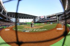 Roof open at #Marlins Park  Miami, FL