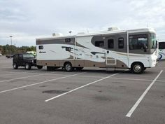 2007 Winnebago Sightseer 35J for sale by owner on RV Registry http://www.rvregistry.com/used-rv/1010028.htm