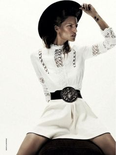 Who What Wear Blog Arizona Girl D La Repubblica Model Renee Meijer Photographer Daniella Midenge Stylist Laura Bianchi Casual Cool Modern Cow Girl Western Inspired Style Black Hat Star Tattoos White Dress Big Belt Buckle