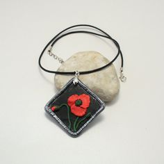 Polymer clay necklace, poppy necklace, large pendant, poppy pendant, flower pendant, floral necklace, floral pendant, polymer clay poppyes