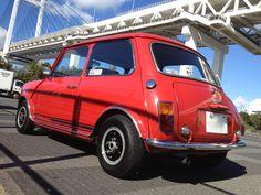 ≪No437≫  ・ニックネーム  VEGLIA     ・メーカー名、車種、年式  British Leyland MINI1275GT 1970     ・アピールポイント(140文字以内)  12年前に当時車齢30年のノンレストア車を入手。現在も塗装は当時のもののまま保存。  カタログ時同様、最高速90mileまで綺麗にエンジンが回り、現在殆ど存在しないハイドラスティック・サスペンションもしなやかに可動。  毎日の通勤車に使用しているが、ドライブフィールは日々最高。